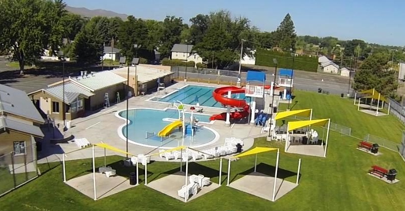 The Prosser Aquatic Center (PAC) is an outdoor swimming pool built in 2011.  The Center has two pools 9b67f07f4